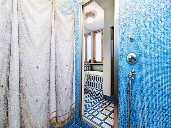 Versace Villa in Milan Bathroom