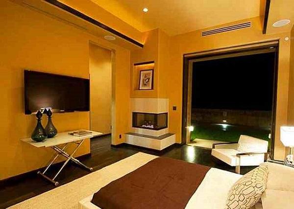Rihanna's Mansion, Bedroom