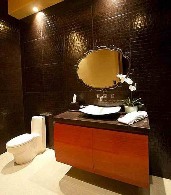 Rihanna's Mansion, Bathroom