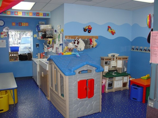 toddler-room-569199_640