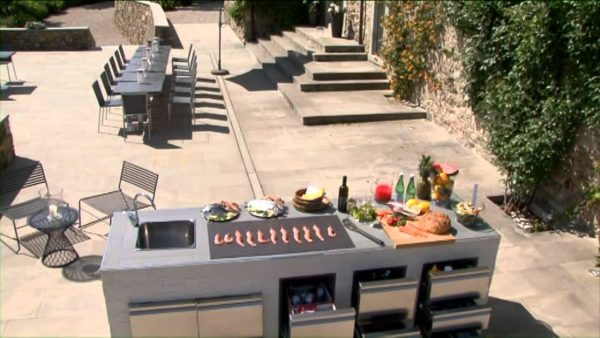 Portable Outdoor Kitchen Must-Haves